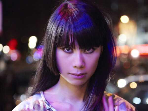 Tin présente le single Heroes In A Frame qui fait l'objet d'un EP de 6 remixes somptueux.