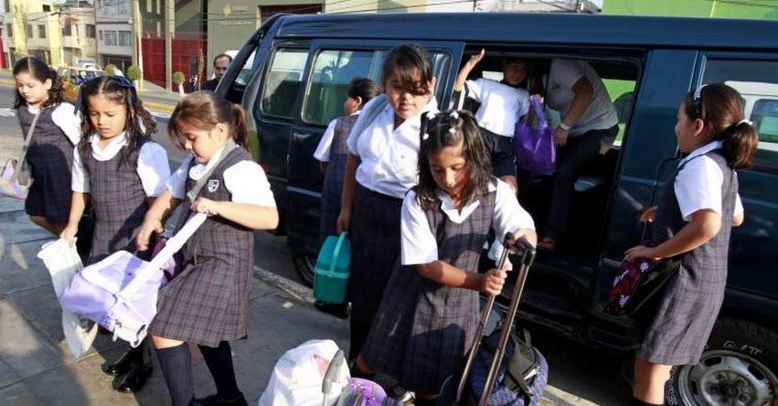 Sigue estos cuatro consejos para escoger una movilidad escolar segura