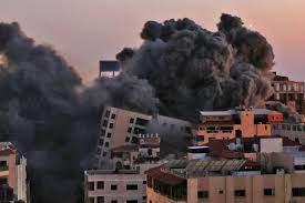 air strike destroys Gaza tower block