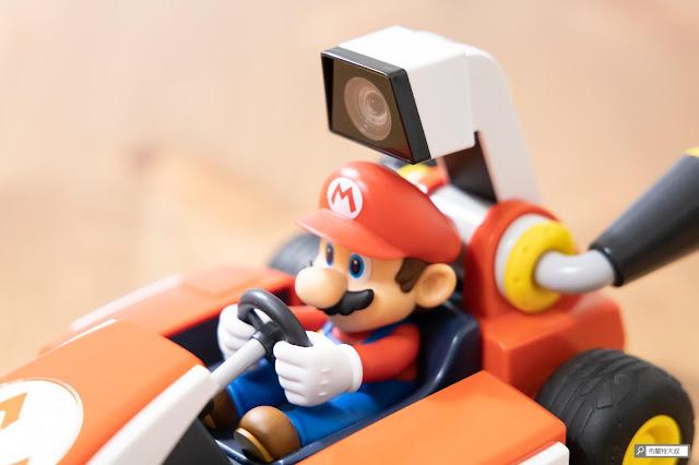 【遊戲】任天堂 AR 競速玩起來《瑪利歐賽車實況:家庭賽車場》 - 上方的超廣角攝影鏡頭是這次遊戲的重點