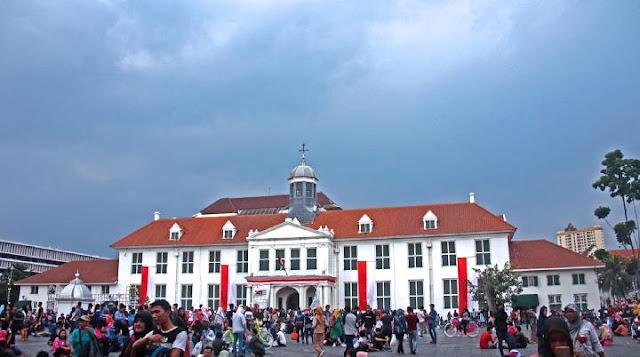 Jakarta Closes 17 Tourist Destinations over Coronavirus