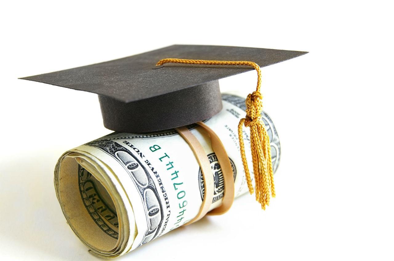 Bạn sẽ được giảm học phí khi sở hữu thẻ xanh Mỹ du học