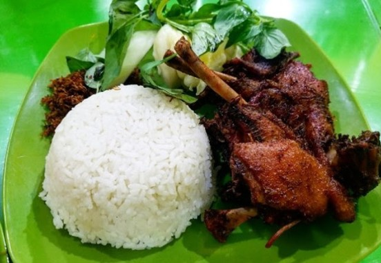 Bebek Purnama;5 Kuliner Bebek Goreng Enak di Kota Probolinggo;