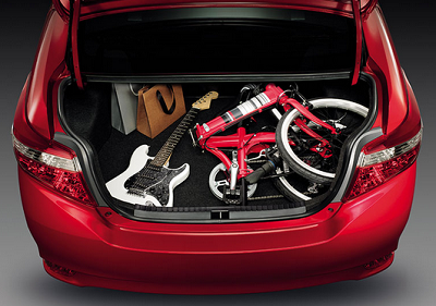 Cốp xe rộng nhất trong phân khúc sedan hạng B với dung tích 476 lít
