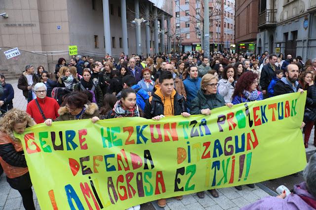 Manifestación contra el cierre de La Milagrosa