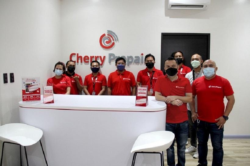 Cherry Prepaid opens concept store in Davao City