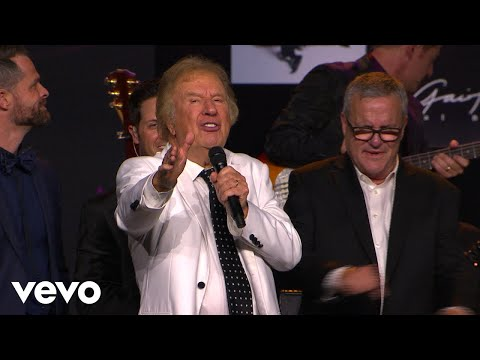 [Music] Gaither Vocal Band – The King Is Coming