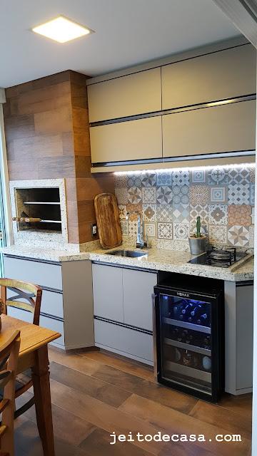area-gourmet-moderna-decoração-churrasqueira