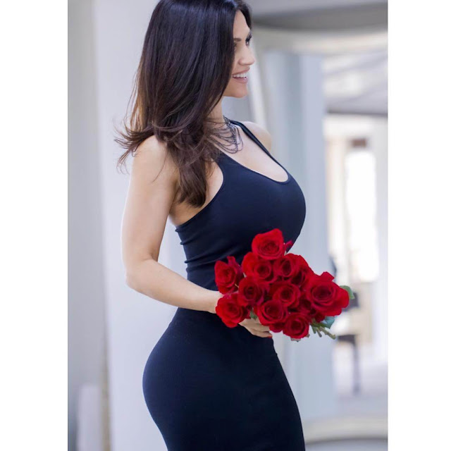Denise-Milani-curvy-look-with-red-roses-on-Instagram-2017