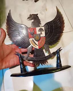 Jual Pajangan Garuda pancasila dari Kulit penyu