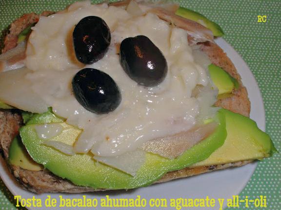 tosta-de-bacalo-ahumado