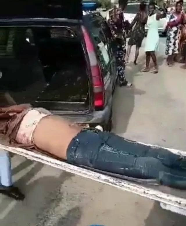 Headless body of a woman found in uncompleted building [photos]