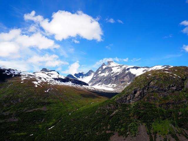 Příroda, hory, krásné počasí, trek, turistika, žádní lidé, Norsko, Jotunheimen