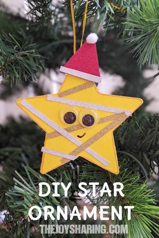 Step-by-step instructions to make star ornament with kids. Simple Christmas activity for toddlers.