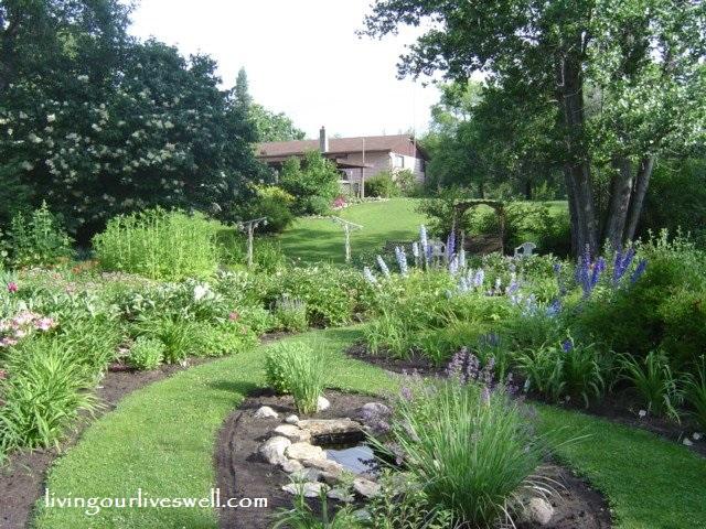 Garden Of Ede n Gerald Perennial Garden