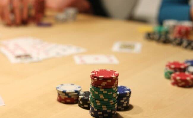 How to Make $100 an Hour Playing Poker Tournaments