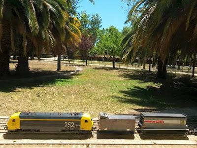 Tren de mercancias en el Parque de Can Mercader