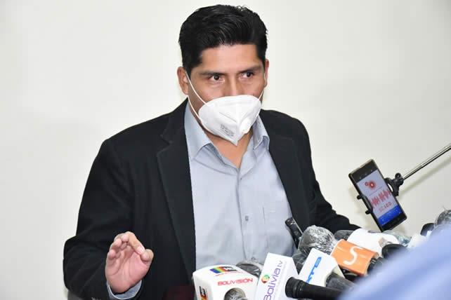 Colegio Médico declara enemigo a Franklin Flores que pretende impulsar libre ejercicio de la profesión