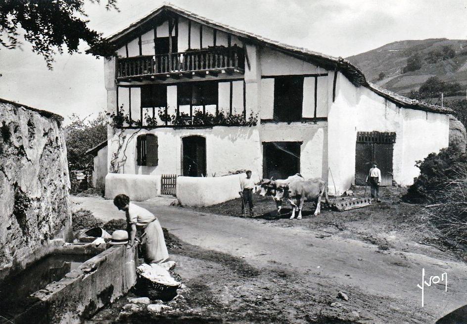 Pays basque 1900 l 39 etxe la maison basque for Photos maison basque