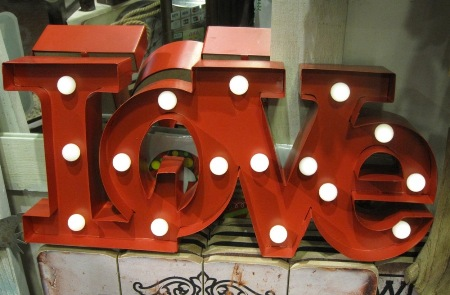 Luminoso letras love