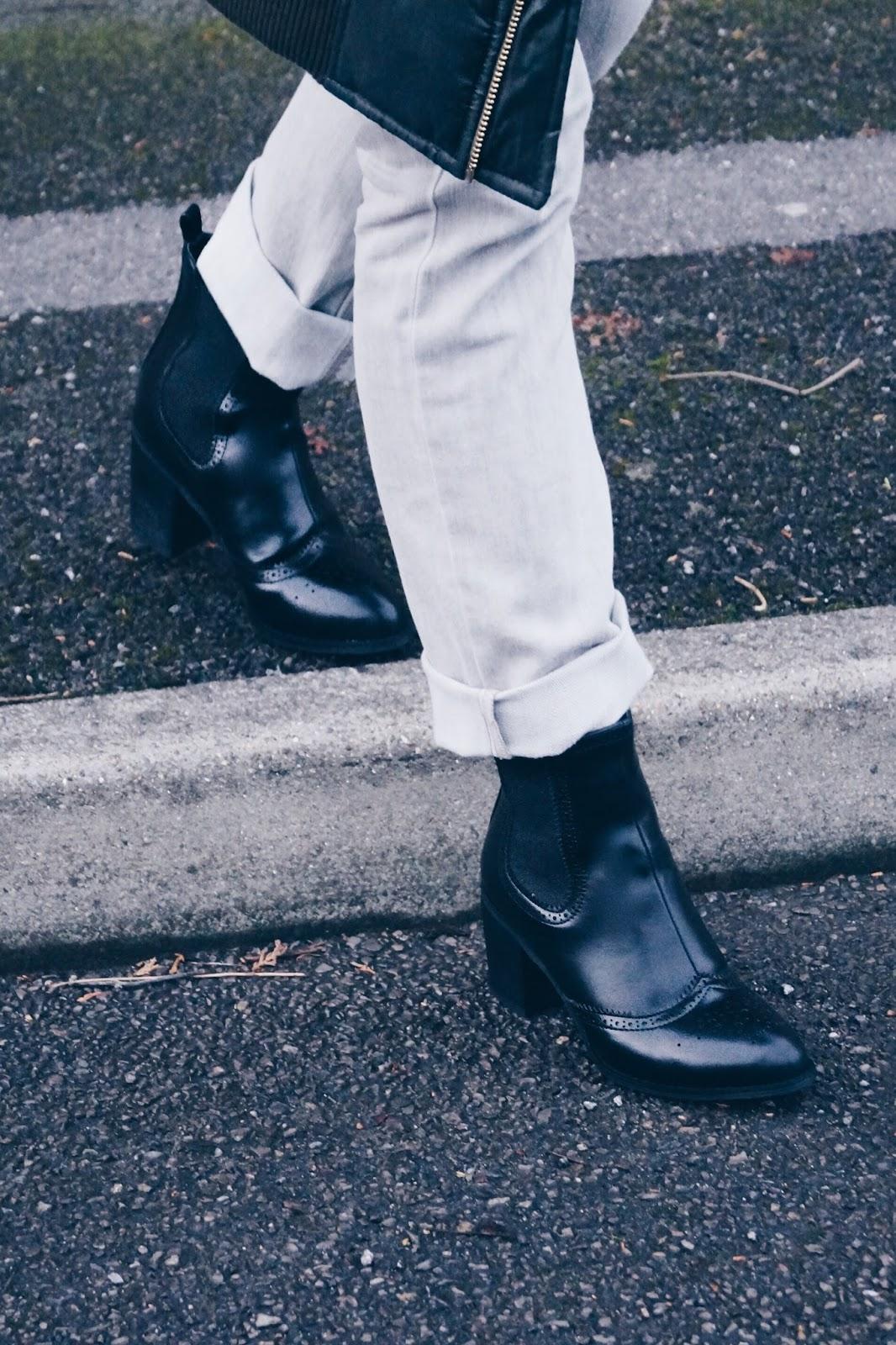 http://www.anamaddock.com/2016/12/chi-chi-london-sian-boots.html