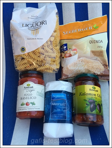 Liguori Pasta die Gragnano, Seeberger Quinoa, Alnatura Bio-Tomatensoße, Aquasale Meersalz und Alnatura Kalamon Oliven