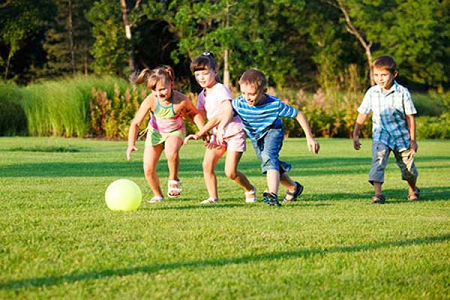 Bí quyết tăng cân cho bé: vận động thường xuyên