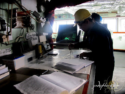 Seaman plotting at ship charts
