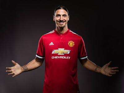Zlatan Ibrahimović firma nuevo contrato