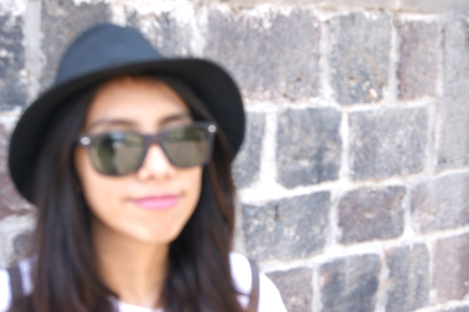 black on black hat sunglasses outfit sunny summer ootd