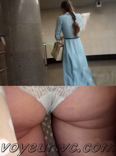 Upskirts 4500-4509 (Secretly taking an upskirt video of beautiful women on escalator)