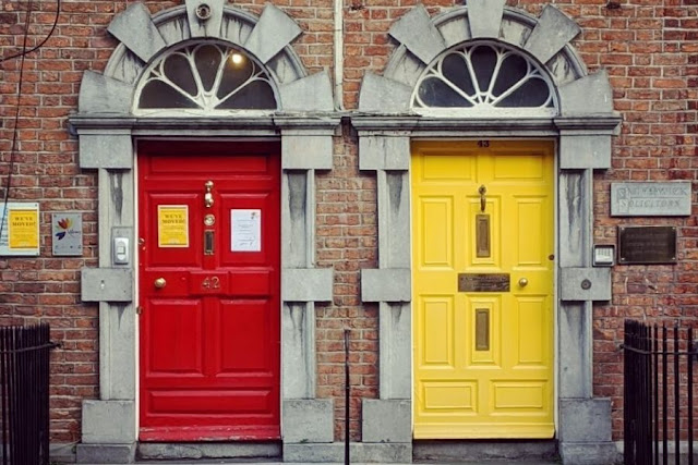 Things to do in Kilkenny: Look for colorful Georgian Doors