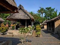 Desa Batuan Menawarkan Objek Wisata Rumah Asli Bali