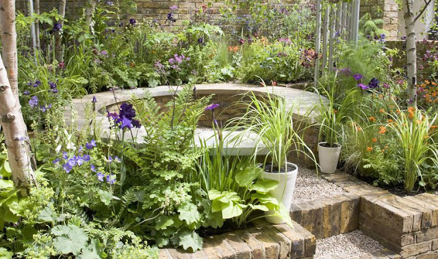 4 Cottage Yard Greenery Design Tips with a Yard