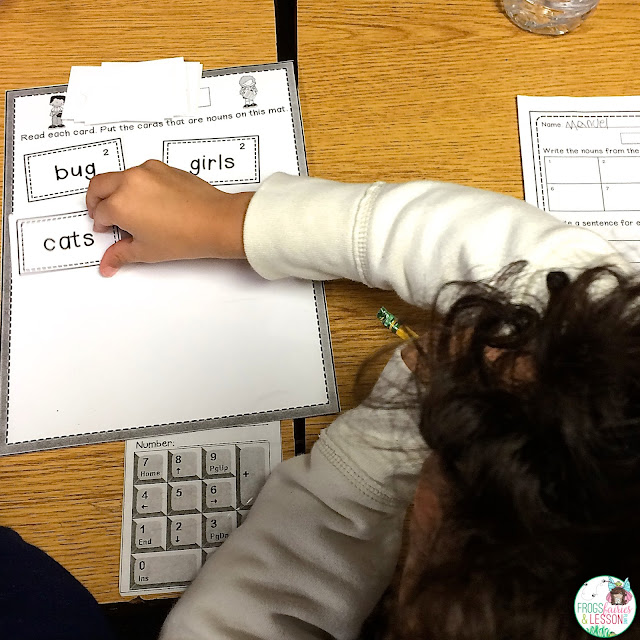 Students sorting nouns