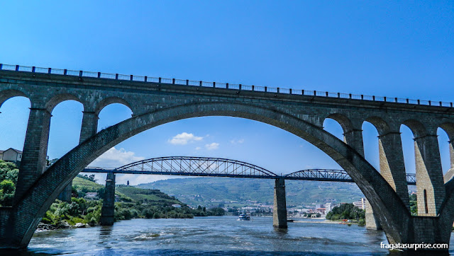 Pontes sobre o Rio Douro, na rota entre Peso da Régua e Pinhão