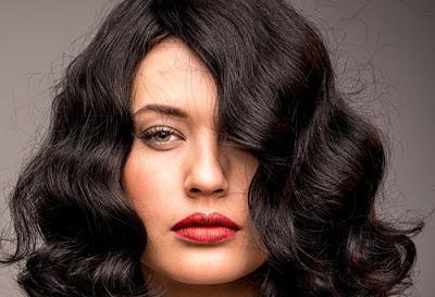 Καρέ μαλλιά το νέο trend για τη σεζόν