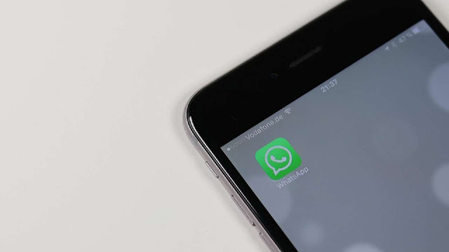 كيف يمكنك حفظ يوميات اصدقائك في تطبيق واتساب بدون التقاط صورة لشاشة الهاتف