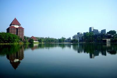 Syarat untuk Masuk Kelas International University di UI