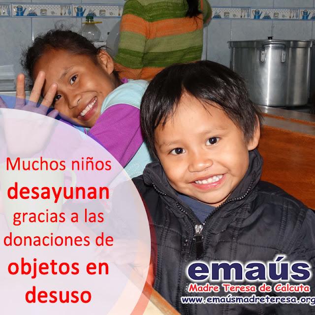 Muchos niños desayunan gracias a las donaciones de objetos en desuso.