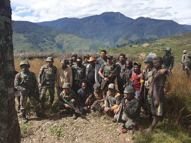 Tokoh Utama Kelompok Kriminal Separatis Papua Menyerahkan Diri