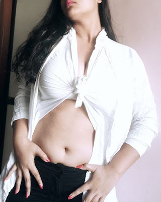 Priti Maurya hot look