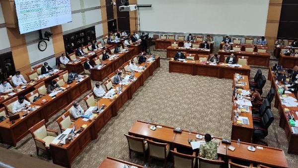 Canda Yasonna di Rapat DPR: Bos Benny Harman Masih Lama Jadi Presiden