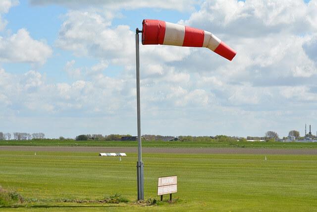 مطار,سرعة الرياح,سرعه الريح,windsock