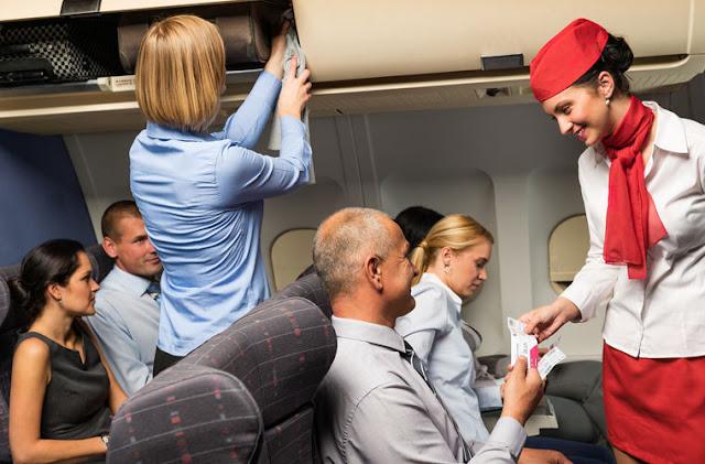 Бортпроводники назвали десять самых раздражающих вопросов от пассажиров
