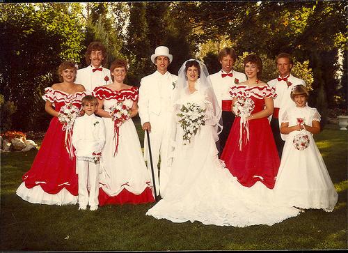 los vestidos de novia y damas de honor más feos – rincón abstracto