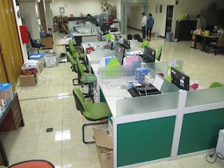 Meja Partisi Sekat Kantor Cubicle Workstation