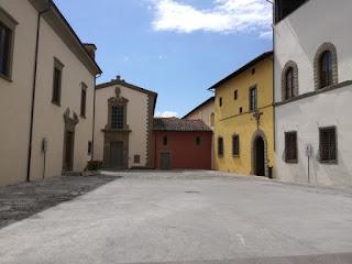 Immagine di Piazza dell' Ospedale vecchio a Prato dopo il restauro