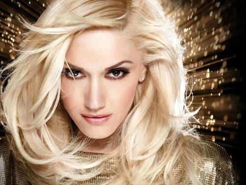 Gwen Stefani Gold background