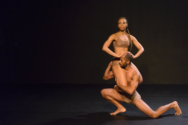 Intervenção celebra mulheres negras na mostra de William Forsythe